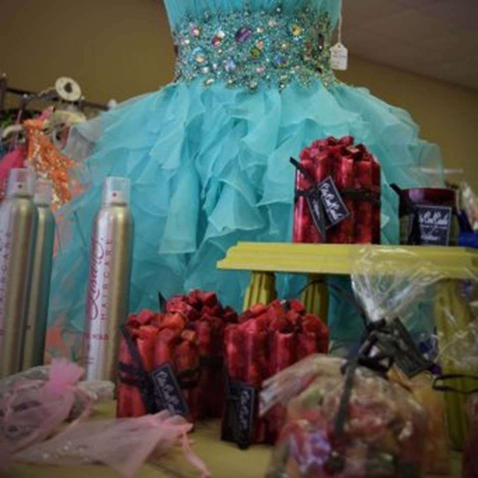 Queens' Quarters Pageant & Formal Wear